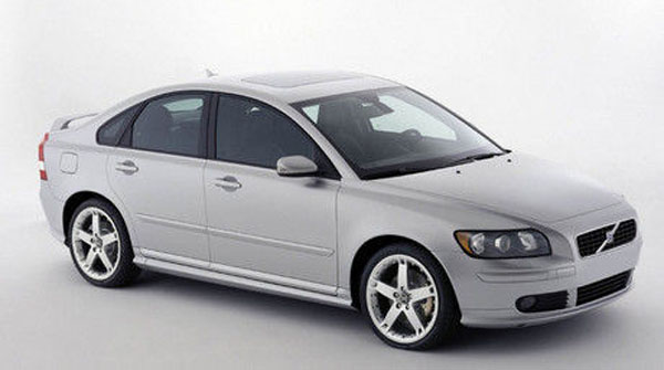 avis sur la volvo s40. Black Bedroom Furniture Sets. Home Design Ideas