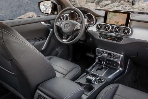 Essai Mercedes Classe X : intérieur cabine