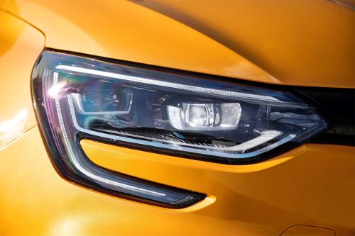 Renault Mégane RS zoom sur phare