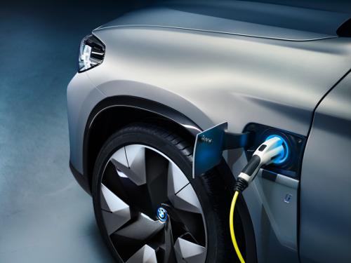 Belles avancées techniques pour le SUV iX3 Concept